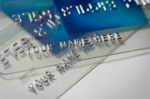 эмбоссирование пластковых карточек